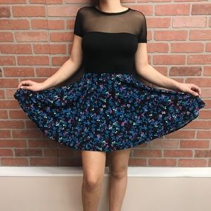 Dresses & Skirts - Dress with mesh